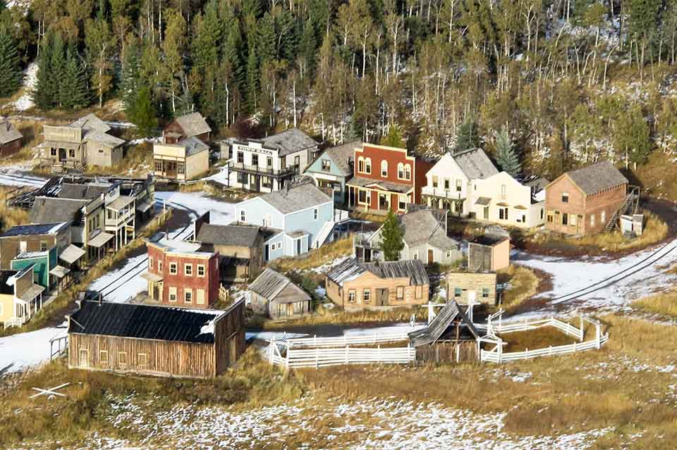 Calgary and Bragg Creek 42 minute helicopter tours